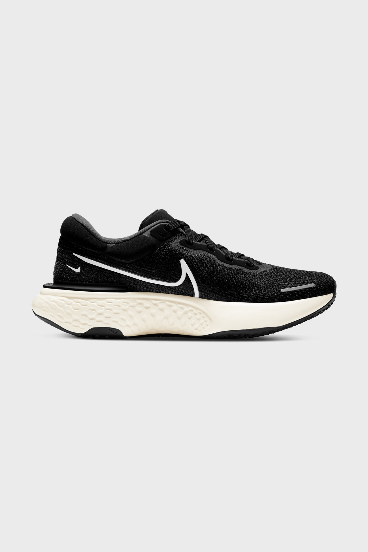 NIKE - Nike ZoomX Invincible Run Flyknit - BLACK WHITE